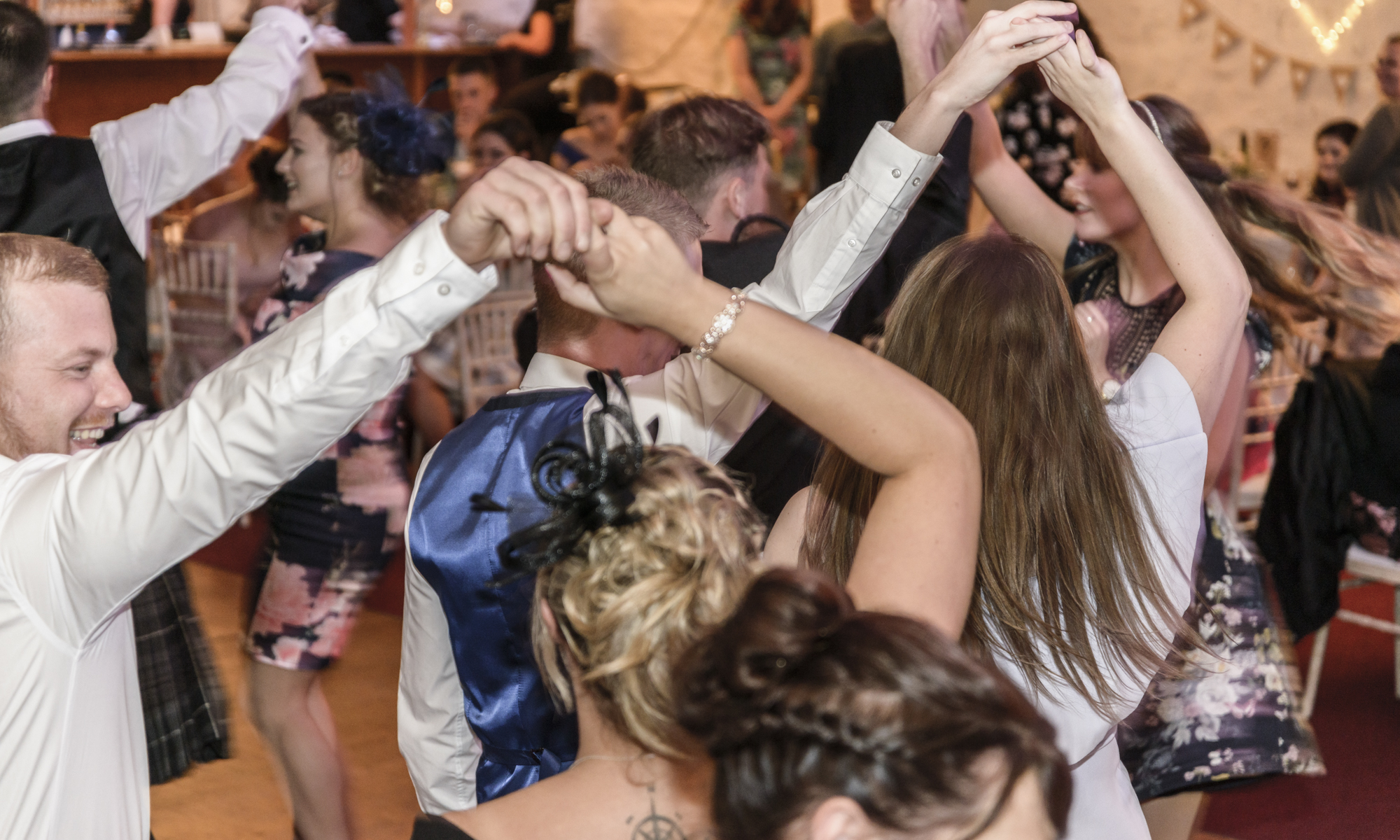 Scottish Country Dancing by Edinburgh Wedding Photographer Ewan Mathers