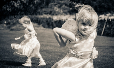 Children at a wedding by Edinburgh Wedding Photographer Ewan Mathers