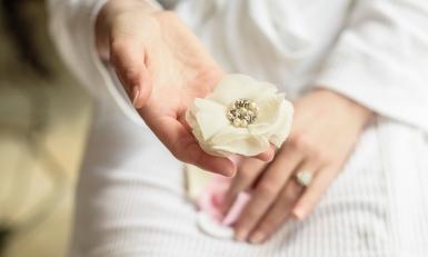 White rose by Edinburgh Wedding Photographer Ewan Mathers