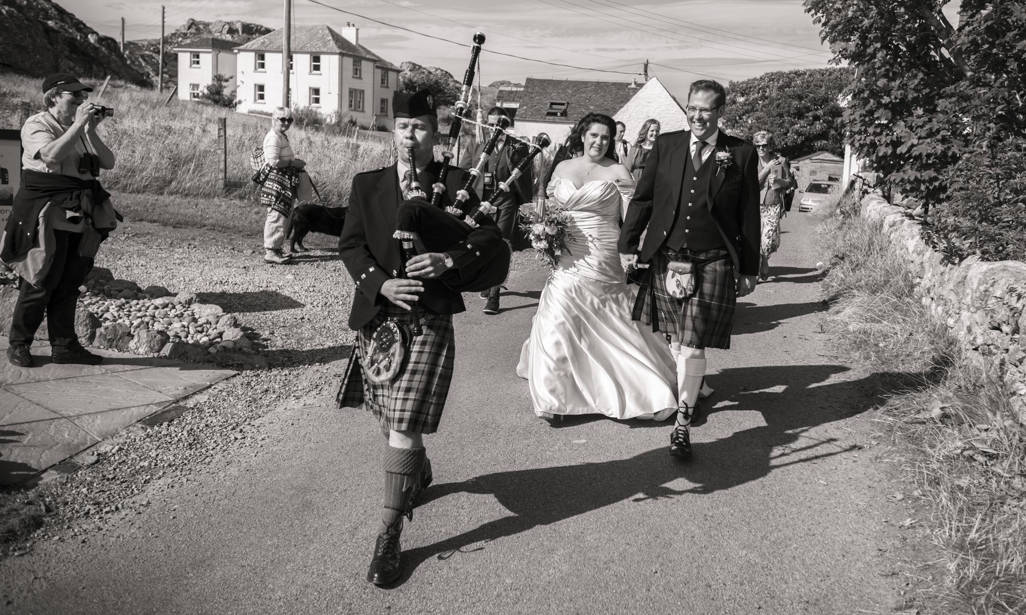Wedding Photographer in Edinburgh, the Highlands and Scotland