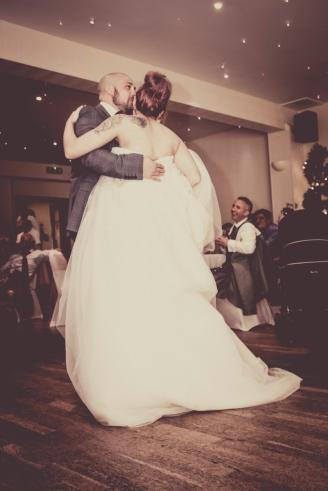 First Dance by Edinburgh Wedding Photographer Ewan Mathers