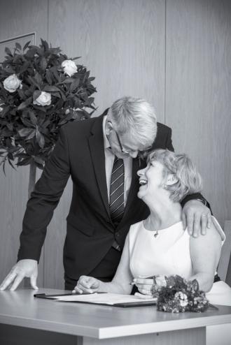 Signing the Register by Edinburgh Wedding Photographer Ewan Mathers