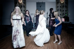 Dancing by Edinburgh Wedding Photographer Ewan Mathers
