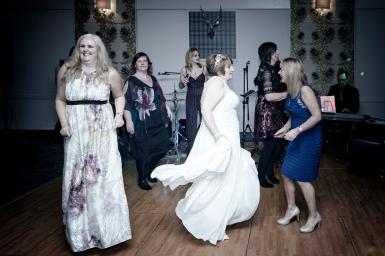 Dancing by Inverness Wedding Photographer Ewan Mathers
