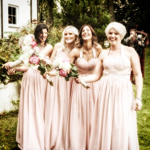 Bridesmaids by Wedding Photographer in the Highlands of Scotland - Ewan Mathers